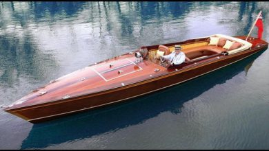 Photo of McLaren Designer Builds a Stunning Wood Electric Powerboat (4 Photos)
