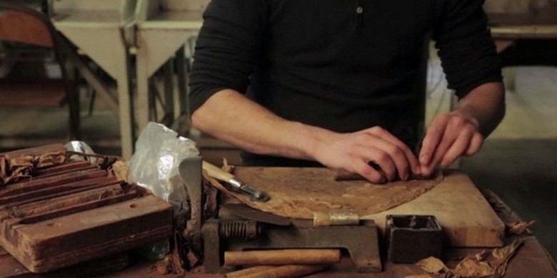 Photo of How Hand-Rolled Cigars Are Made (Video)