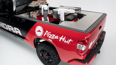 Photo of This Toyota Tundra From the Future Makes Your Pizza Hut Pizza With Robots and Delivers It To You