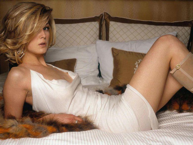 Rosamunde pike sexy