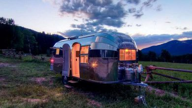 Photo of Camp in Style in the This Beautifully Restored 1954 Airstream Flying Cloud (19 Photos)