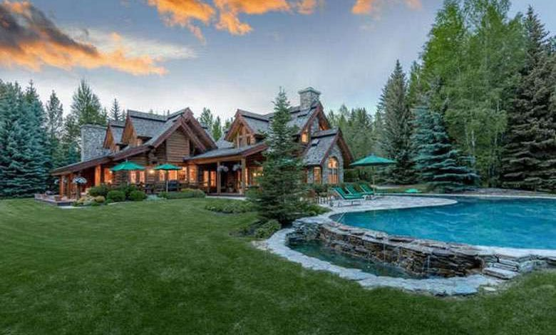 Photo of Dream House: Idaho Riverfront Log Home (26 Photos)