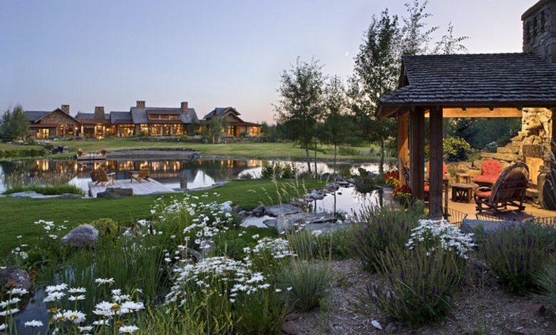 Photo of Dream House: Montana Family Compound (32 Photos)