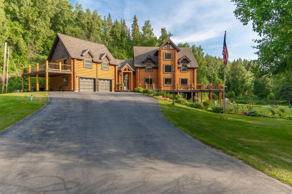 Dream House: Alaskan Luxury Log Cabin (1)