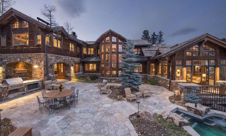 Photo of Dream House: Colorado Wood & Stone Mansion (18 Photos)