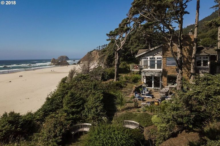 Dream House: Oregon Coastal Retreat (1)