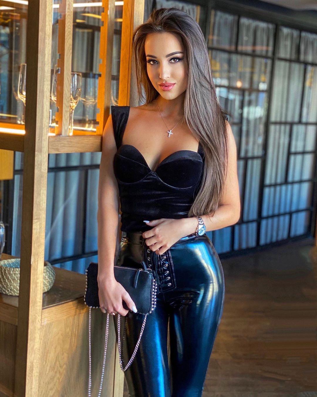 DEBATE sobre belleza, guapura y hermosura (fotos de chicas latinas, mestizas, y de todo) - VOL II - Página 6 Instagram-crush-ekaterina-busel-20200219-1019