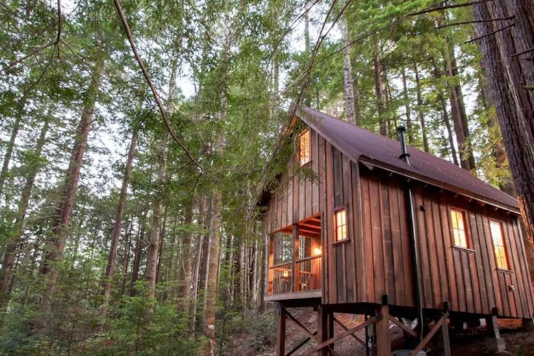 You Can Rent This Tiny California Cabin on Airbnb (1)