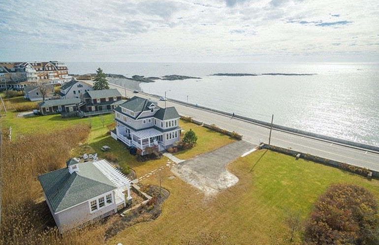 Dream House: We're In Love With This Breathtaking Maine Beach House (1)