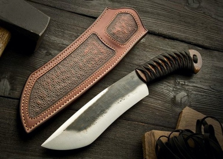 We Love the Craftsmanship in These Custom Knives (1)