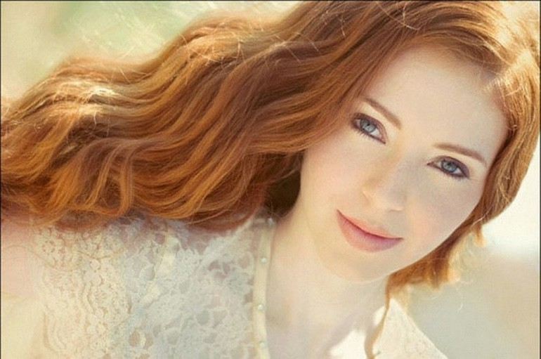 Beautiful Redheads To Kick Your Week Off (1)
