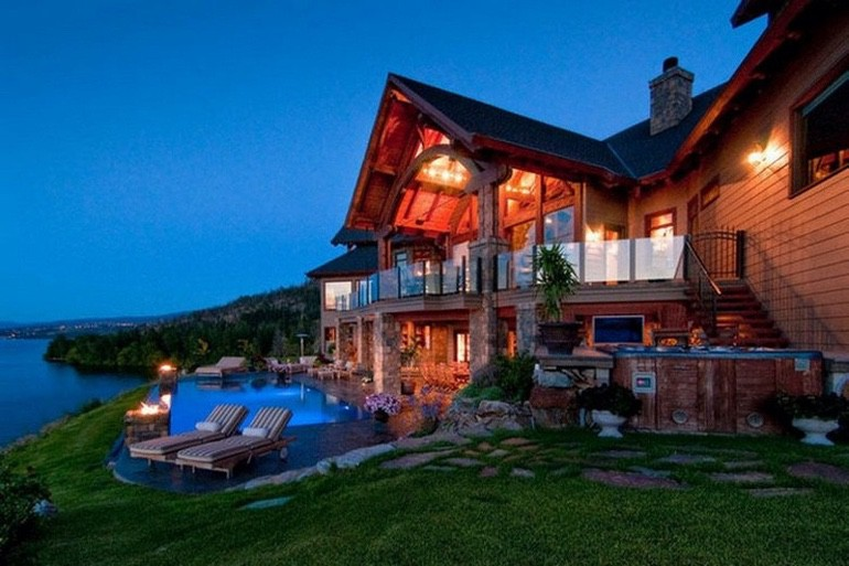 Dream House: British Columbia Lakefront (1)