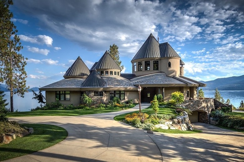 Dream House: Magnificent Idaho Lakefront Estate (1)