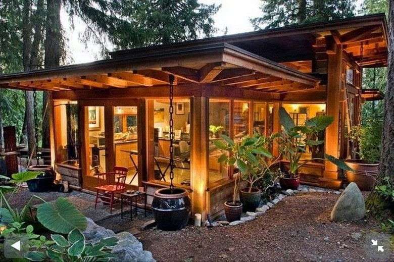 There's Something Very Appealing About Tiny Houses (1)