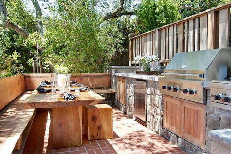 These Outdoor Kitchens Help You Get Your Grill On (1)
