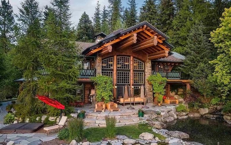 Dream House: Lodge on Hayden Lake (1)