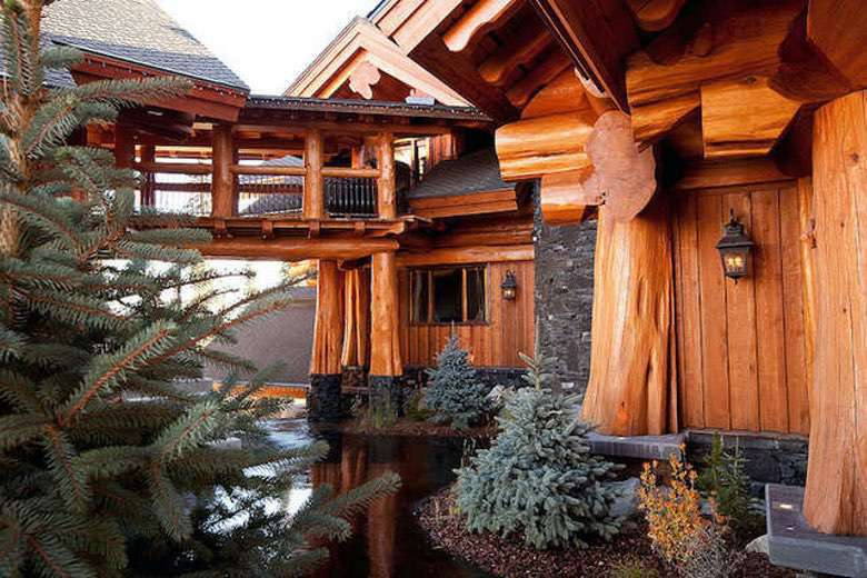 Dream House: Timber King Log Mansion (1)