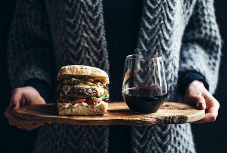 Suburban Men Happy Hour Food and Drink (1)