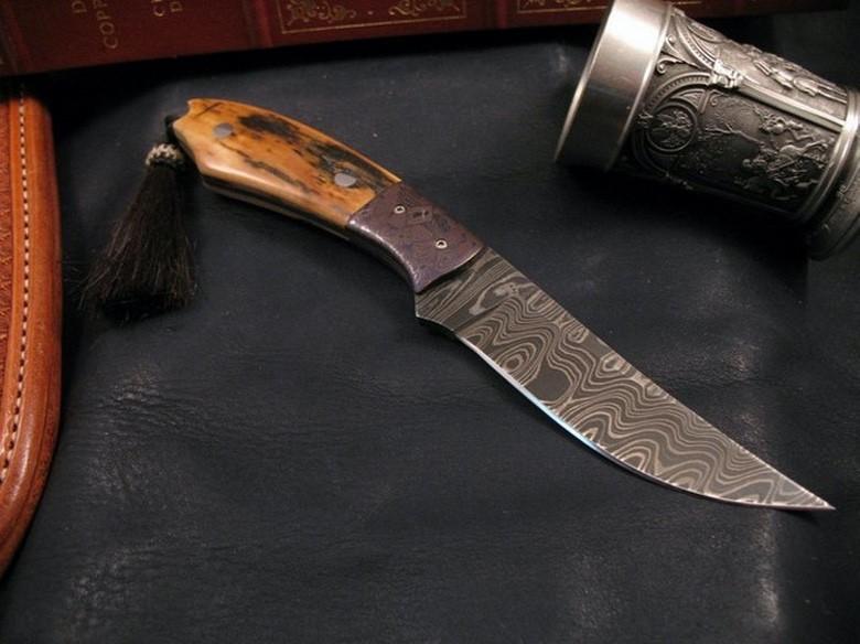 Suburban Men EDC These Custom Knives Are Works of Art (1)