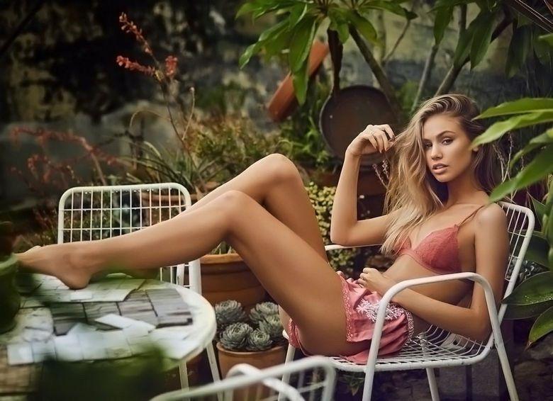 Instagram Crush: Scarlett Leithold (1)