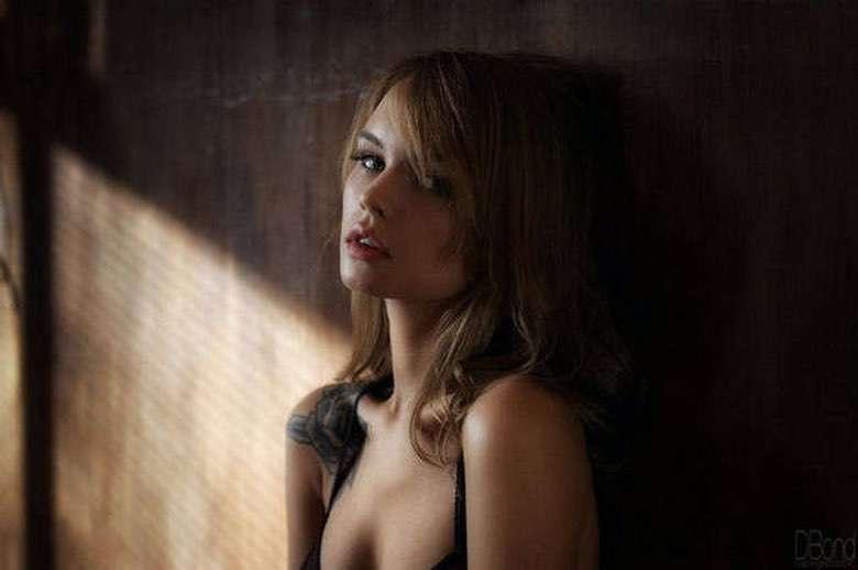 Suburban Men Late Night Randomness Beautiful Women Amazing Photography (1)