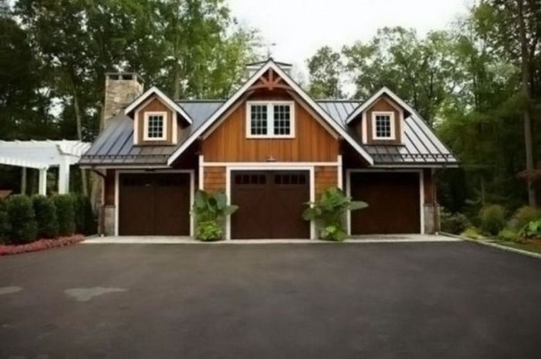 Suburban Men This Ultimate Man Cave Garage is Nicer Than Your House (1)