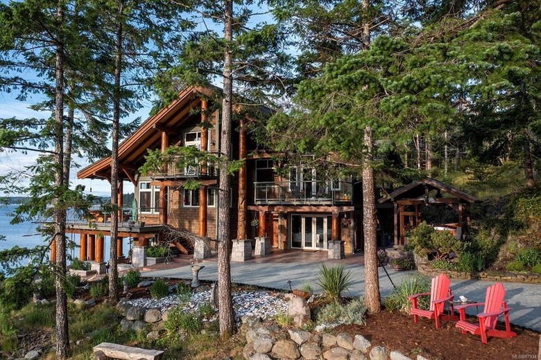 Dream House: Vancouver Island Dream Retreat